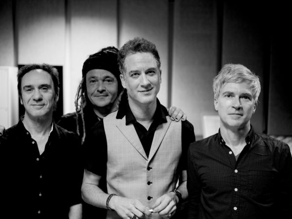 Pick 'n' Mix // Nada Surf - Out Of the Dark (Live with the Babelsberg Film Orchestra)